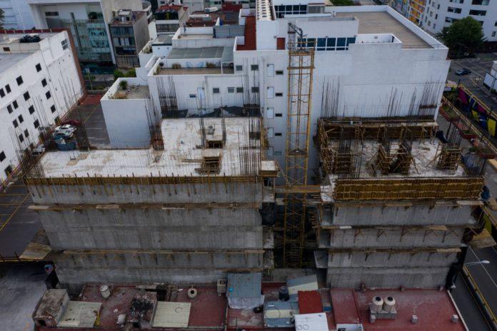 Con edificios más altos y publicidad pretenden financiar reconstrucción del 19S