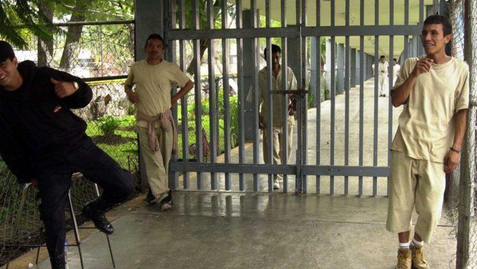 Crece número de personas en cárceles, tras cinco años a la baja
