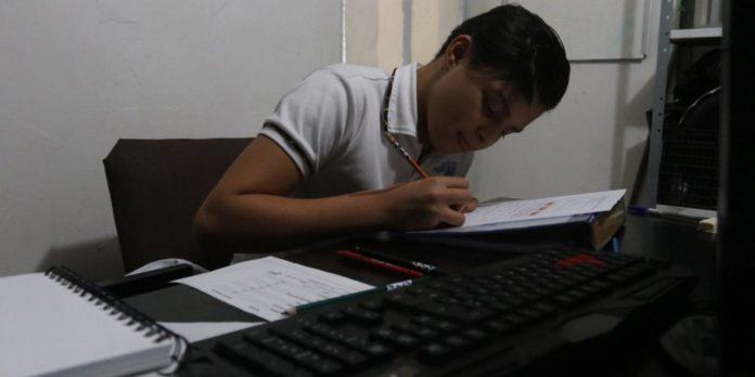 Niñas, niños y adolescentes, en riesgo económico y psicológico por confinamiento