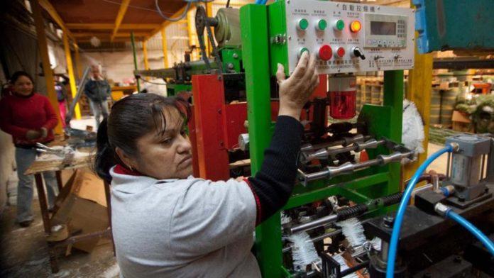Actividad industrial sufre peor caída en 9 años