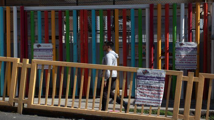 Solo bares, escuelas y algunas oficinas de gobierno siguen cerradas por la COVID-19