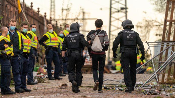 """El """"muro"""" en Alemania que la COVID-19 volvió a levantar"""