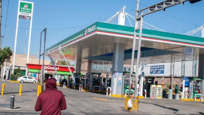 ¿Por qué está subiendo el precio de la gasolina en México?