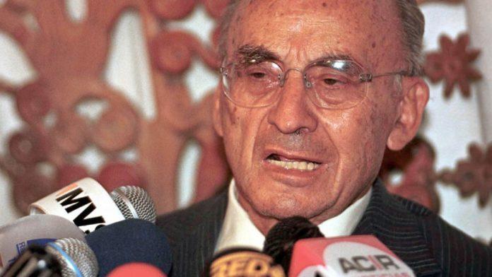 Echeverría, el último presidente que desapareció poderes de un estado