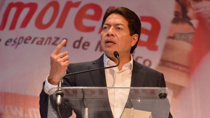 """Cuando Mario Delgado dice que Pegasus muestra el """"talante autoritario de los gobiernos neoliberales"""", ¿se refiere también al actual?"""
