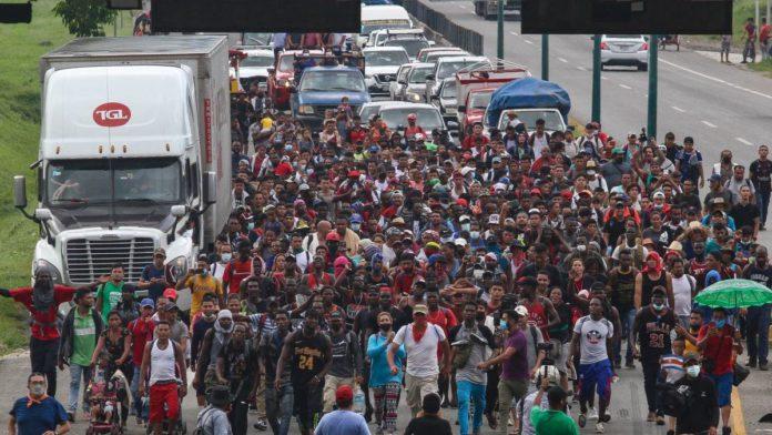 Violencia y trabajos informales y mal pagados: la realidad de las personas migrantes en México